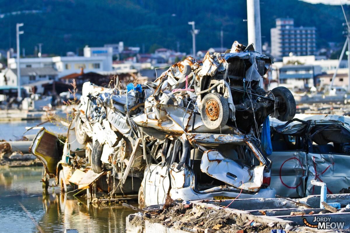 Tōhoku Tsunami - Pile of cars
