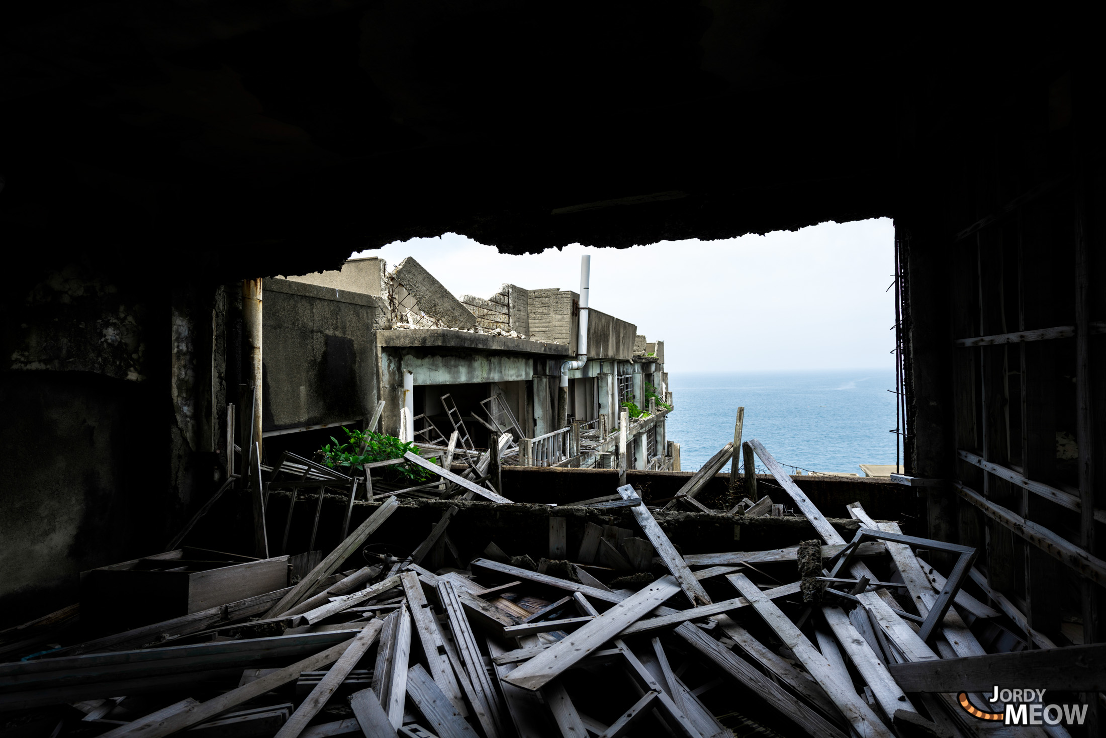 abandoned, apartment, gunkanjima, haikyo, japan, japanese, kyushu, nagasaki, ruin, urban exploration, urbex